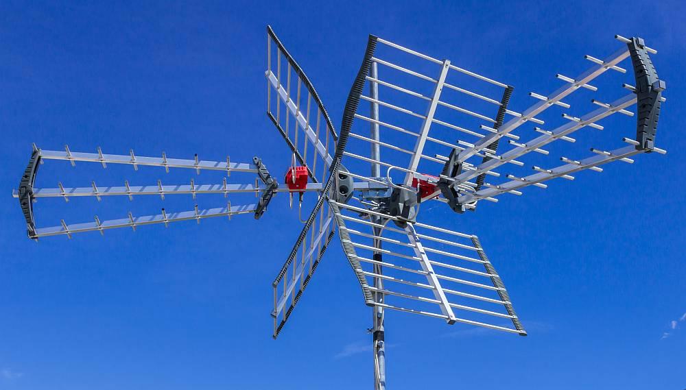 Montaż anten satelitarnych – w jaki sposób przebiega?