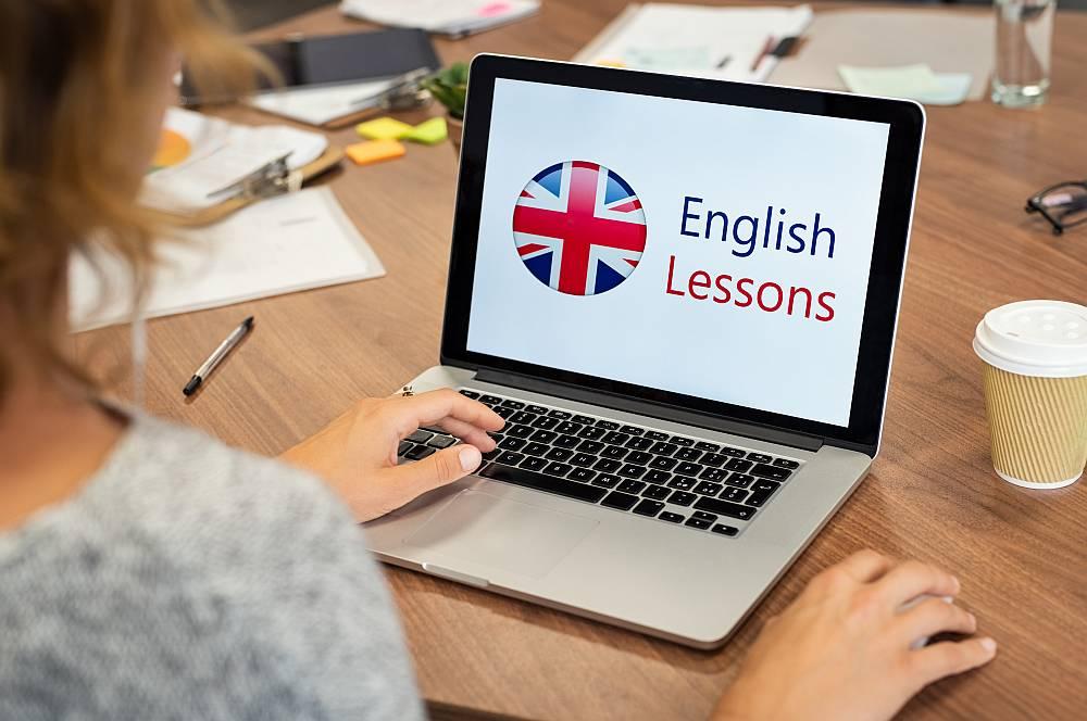 Nauka angielskiego online – jakie korzyści może przynieść?